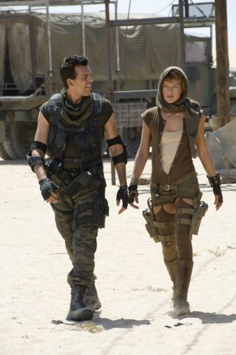 Resident Evil Extinction 16 (WTF Watch the Film Saint Pauly)