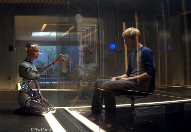 ex machina 10 SC Her lap top (WTF Watch The Film Saint Pauly)