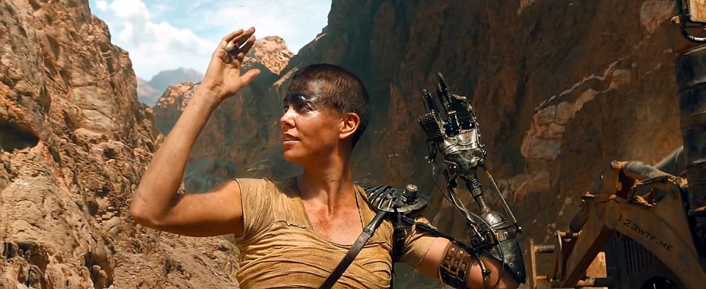 Mad Max Fury Road 22 SC At lest the middle finger works (WTF Watch The Film Saint Pauly)