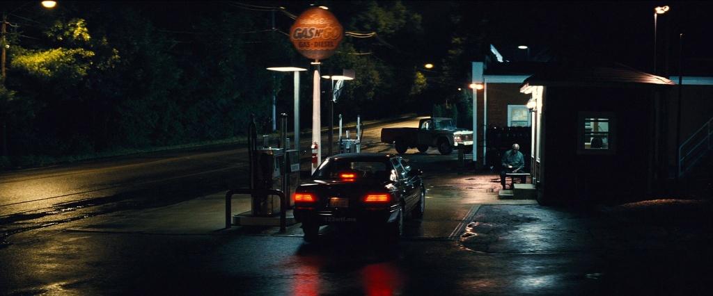 Black Mass 39 cinematography gas station (WTF Watch The Film Saint Pauly)