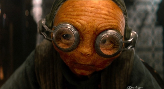 The Force Awakens 33 cinematography Maz Kanata (WTF Watch The Film Saint Pauly)