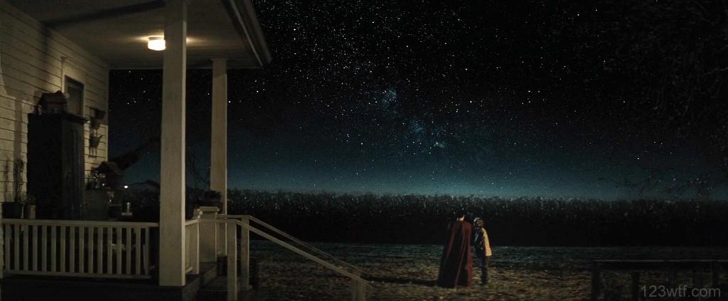 Batman v Superman 34 SC Superman wears his cape when he visits his mum WTF Watch The Film Saint Pauly