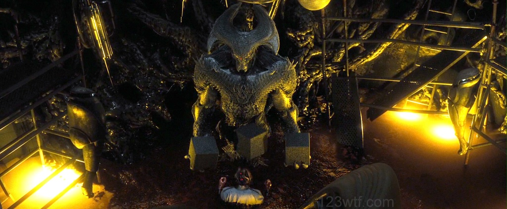 Batman v Superman 71 SC Avatard Stupid avatar WTF Watch The Film Saint Pauly
