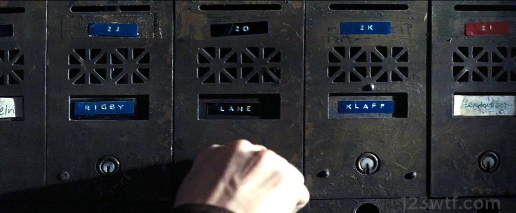 Batman v Superman 97 Easter egg WTF Watch The Film Saint Pauly