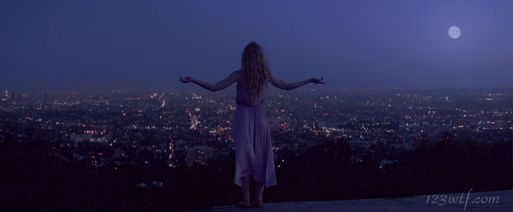 Neon Demon 06 SC Jesse is mooning you (WTF Watch The Film Saint Pauly)