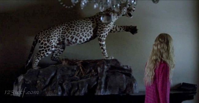 Neon Demon 19 SC House cat (WTF Watch The Film Saint Pauly)