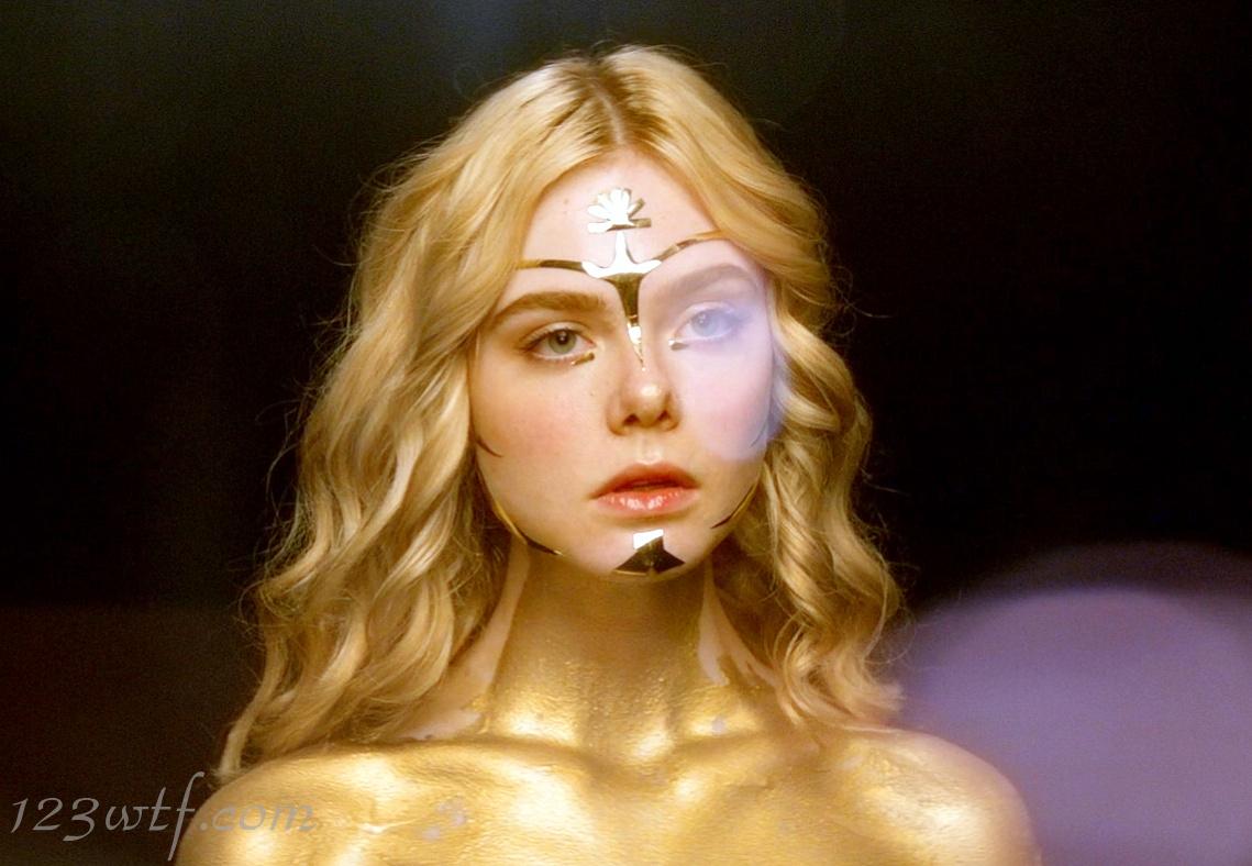 Neon Demon 35 SC Jesse is golden (WTF Watch The Film Saint Pauly)