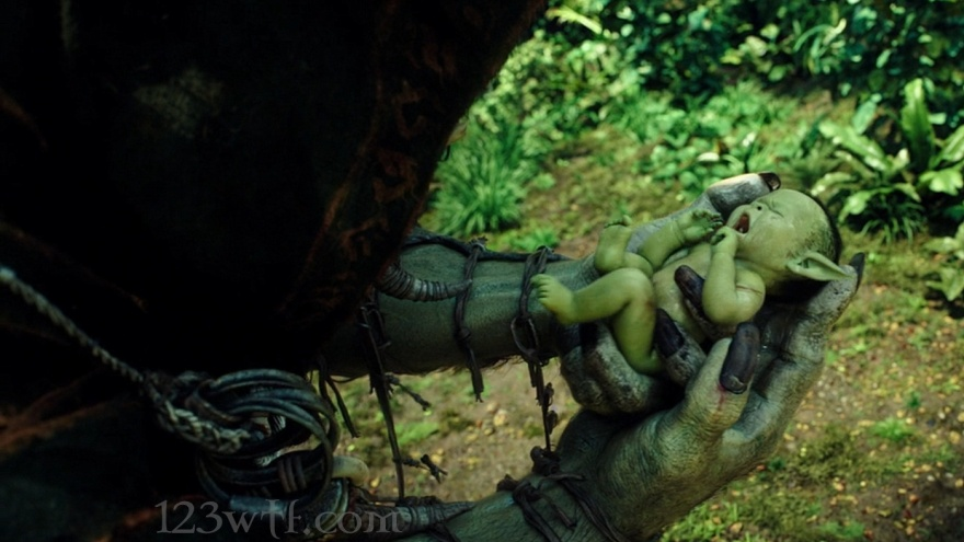 Warcraft 06 SC That baby is a handful WTF Watch The Film Saint Pauly